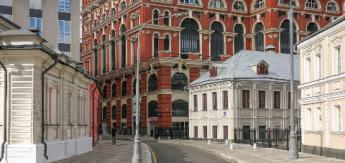 В центре отремонтировали фасады более 700 зданий