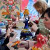 Научиться лепить сибирские пельмени и освоить хохломскую роспись: как в Москве отметят День народного единства