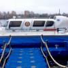 Спасатели на катерах-вездеходах будут патрулировать места зимней рыбалки на Москве-реке