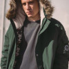 В преддверии минусовых температур магазин Capsula устраивает распродажу зимних парок и курток российских дизайнеров и европейских street wear брендов со скидками до 50%.