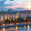 Яркая летняя Москва