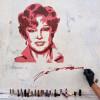 Портрет Гурченко, нарисованный губной помадой. Новая работа художника Zoom на Садовнической набережной