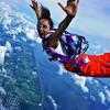 «Небо заразно». 7 мест, где в Москве можно прыгнуть с парашютом